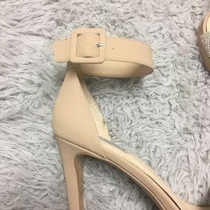 Steve Madden Shoes - Steve Madden Nude Heels